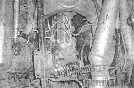 Рис. 4. Монтаж переходника, штуцеров и термодатчика, разводка рукавов подогревателя Напарник