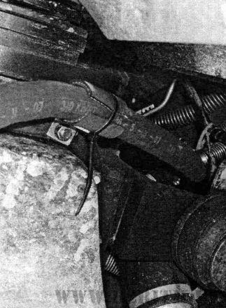 Рис. 5 Монтаж подогревателя Северс-М3 на автомобиль КамАЗ с двигателем 740.37-400
